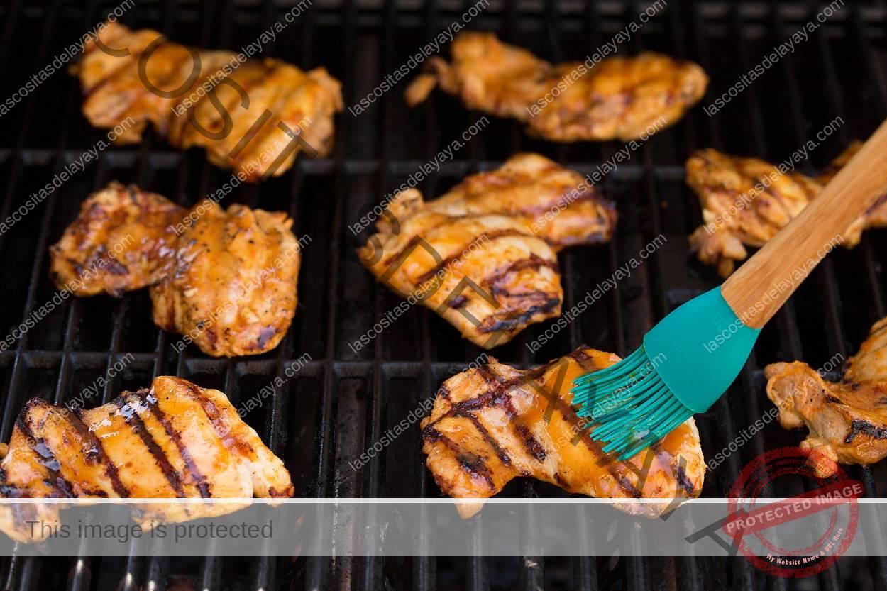 Pollo a la parrilla con naranja y miel pegajosa