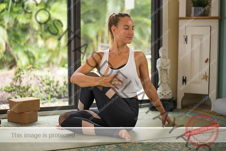 yoga para la secuencia de dolor de rodilla-14