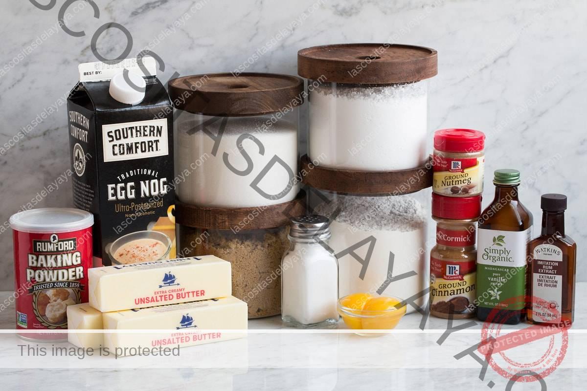 Ingredientes necesarios para las galletas de ponche de huevo.