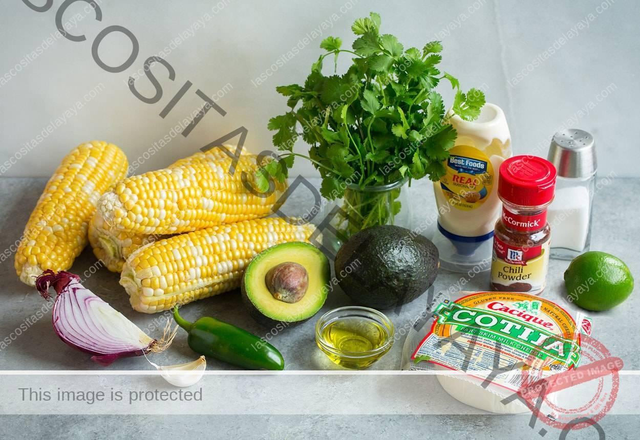 Ingredientes para ensalada mexicana de elote callejero