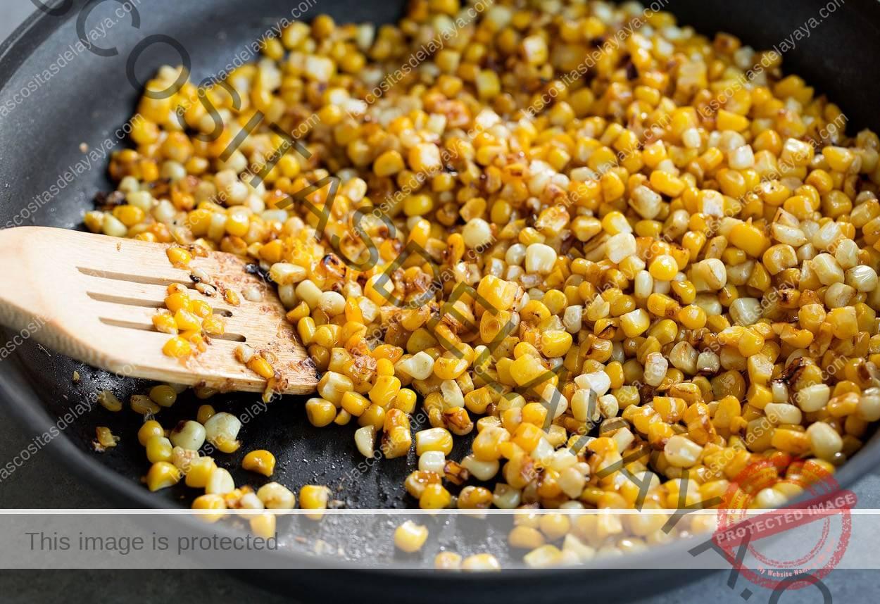 Cómo hacer ensalada mexicana de maíz en la calle