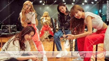 (De izquierda a derecha) Las miembros de Blackpink, Jisoo, Rosé, Jennie y Lisa formaron su exitoso grupo de chicas en 2016.