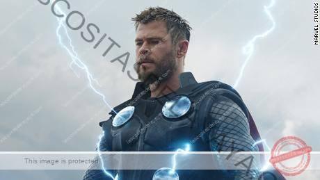 Chris Hemsworth aparece en una escena de 'Vengadores: Endgame'.