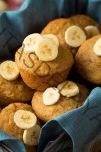 Muffins de banana y miel de trigo integral más saludables