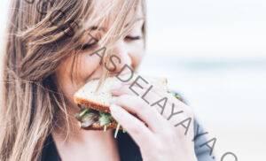 8 formas naturales y efectivas de superar la alimentación emocional