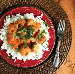 Pollo en olla de cocción lenta Tikka Masala