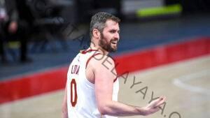 Kevin Love renuncia en la derrota de los Cavs